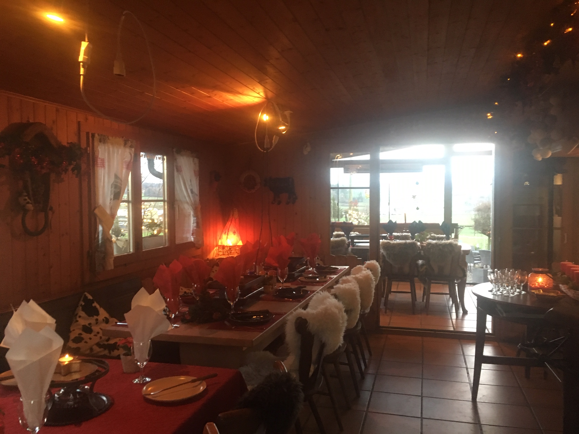 raclette, tischgrill, Brunch, Besenbeiz Rotblattstübli, Grill Spezialitäten, Grill Plausch, spiessgrill, fondue chinoise, fondue bourguignonne, fondue, Käse Fondue, Brunch auf dem Bauernhof